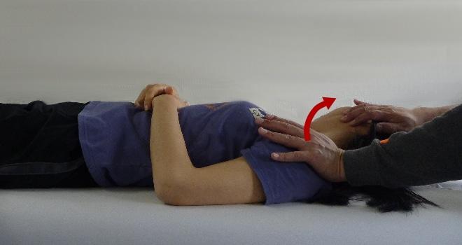 胸鎖乳突筋のパートナーストレッチ